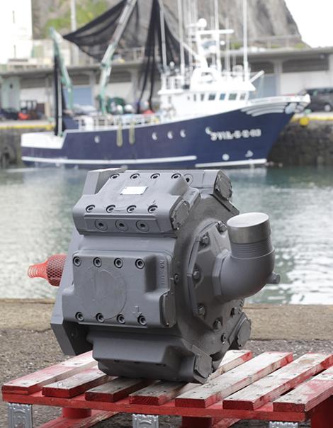 Venta, montaje y repación de motores para barcos, SAT 24h/365 días en Ondarrua